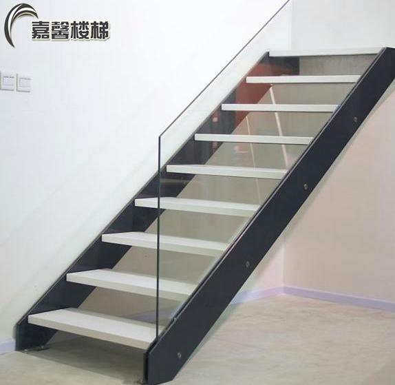 整体实木楼梯 楼梯踏步板护栏扶手