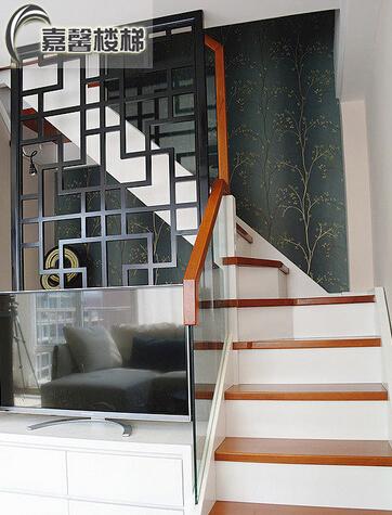 北京实木楼梯玻璃护栏扶手